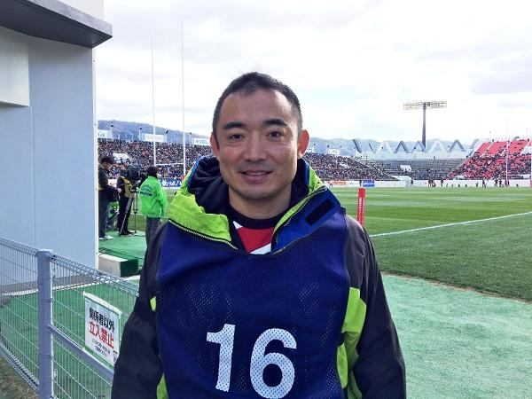 本郷コーチはラグビー担当ディレクター。ジェイ・スポーツの折山典弘さん。