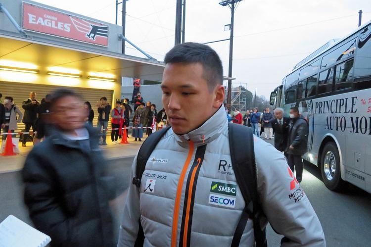 日本代表候補、実戦練習に突入。梶村祐介はやっぱり「12」が気になる。