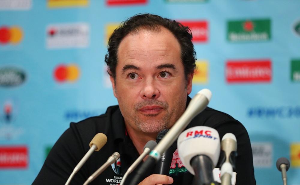 日本代表ハンセンDFコーチ、理想のタックル技術と歴史的勝利語る。
