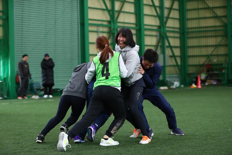 弘前で女性のためのラグビー体験会。オリンピアンが楕円球の種を蒔く
