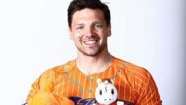え、対戦チームのファンにもプレゼント? クボタスピアーズ「#オレンジでいこう」作戦始まる