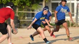 沖縄・読谷高校でラグビーをプレーする女子部員の宇良星乃さん
