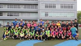 雨の中でも笑顔あふれる。茨城初の平日ラグビーアカデミー体験会、開かれる。