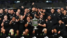 今年も笑ったのは黒衣の男たち NZが豪州に快勝で19年連続ブレディスローカップ保持!