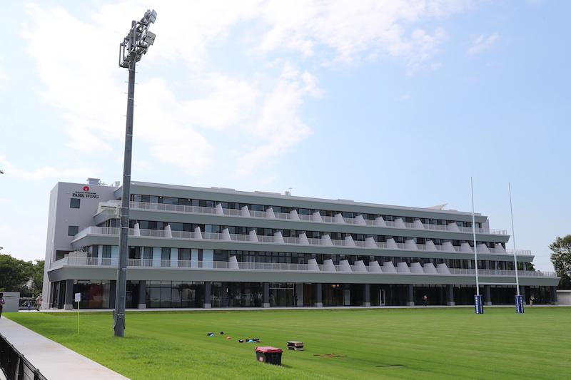 ラグビー場に隣接のホテルが完成。ワイルドナイツの拠点「さくらオーバルフォート」内覧会