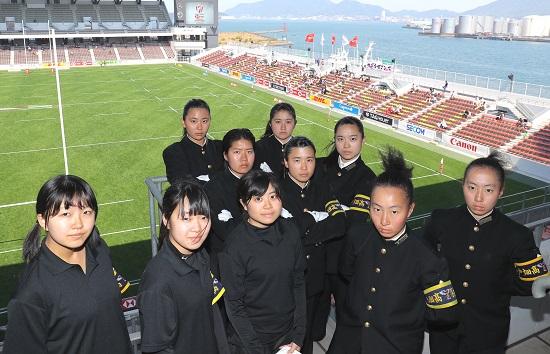 初ラグビー。サクラセブンズへ熱を送り続けた女子たち。戸畑高校応援団