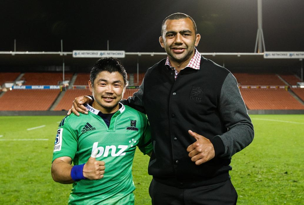 SRに挑む日本代表選手たち。ハイランダーズの田中とチーフスのリーチ(写真:photosport)