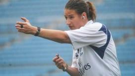 セブンズフェスティバルでカップ決勝など4試合を吹いた女性レフリー、USA協会ダナ・ティー…