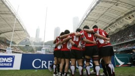 試合前に円陣を組むセブンズ日本代表。団結力は強豪国にも負けない(撮影:長尾亜紀)