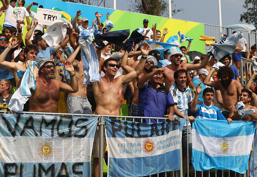 南米初開催五輪はアルゼンチンも燃える。アメリカ戦で盛り上がるファン(C)Getty Images