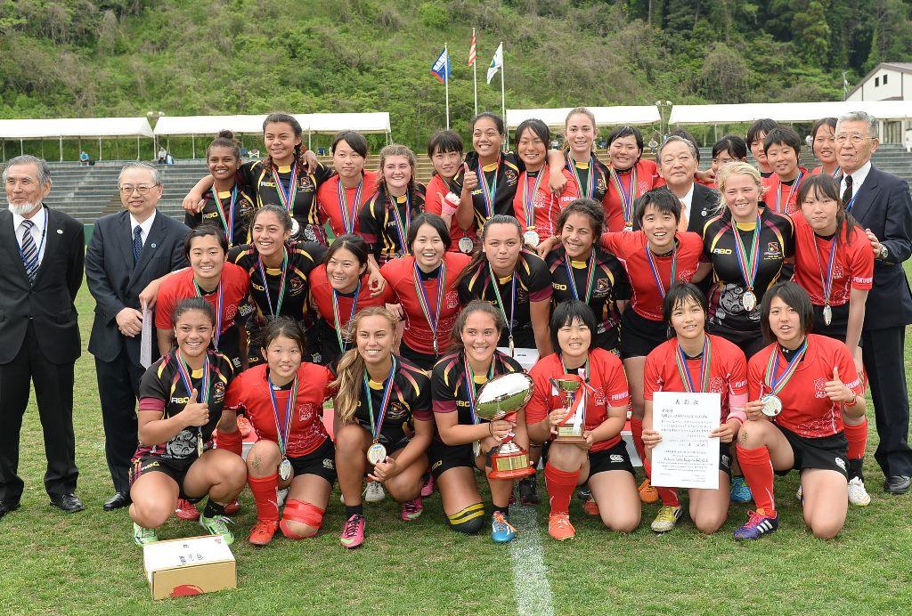 ワールドユースで優勝したハミルトンガールズと2位福岡レディース(撮影: Hiroaki.UENO)
