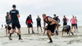 夏のNZ。スーパーラグビー3連覇目指すクルセイダーズは砂浜で鍛錬中(C)Getty Im…
