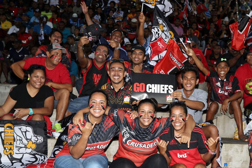 フィジーのスバで1年ぶりにスーパーラグビーが開催され、観戦を楽しむ人々(C)Getty Images