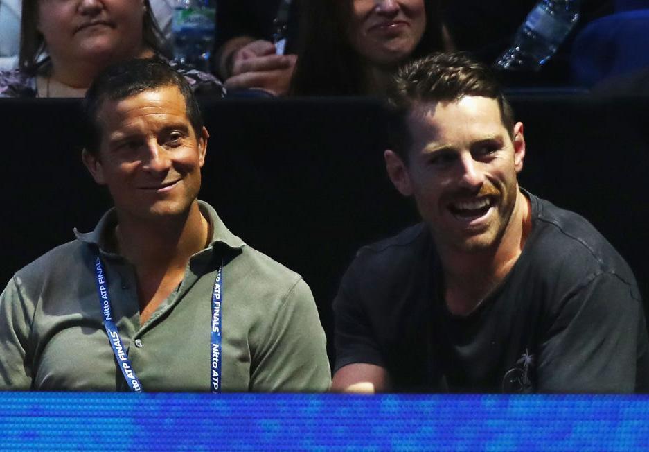 英国遠征中の豪代表フォーリー(右)は著名な冒険家とテニス観戦で英気養う(C)Getty Images