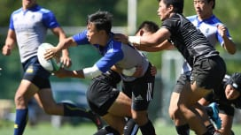 大阪体育大(黒)と日本体育大の練習試合。34−27で日体大が勝利(C)Hiroaki.U…
