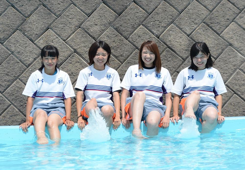 龍谷大マネージャー。左から山口さん、?橋さん、岩本さん、岸さん(C)Hiroaki.UENO