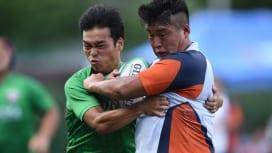 練習試合をおこなった関西学院大(写真右)と福岡大(C)Hiroaki.UENO