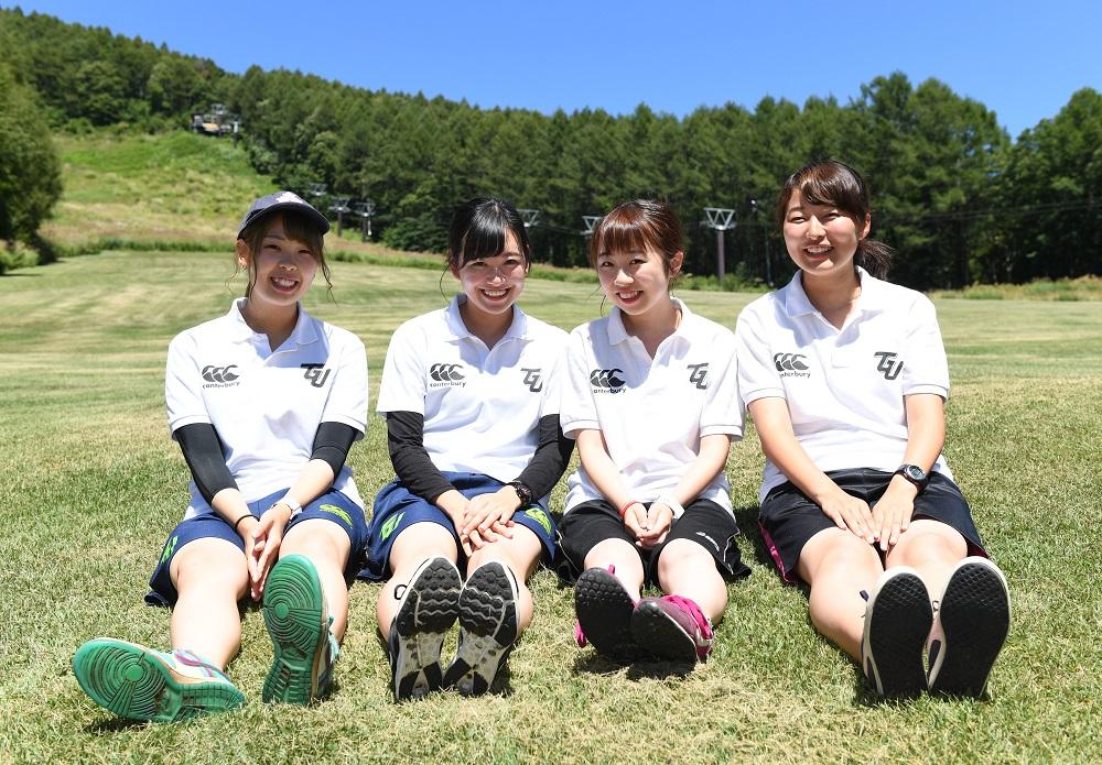 東北学院大のマネージャー。左から八柳さん、土田さん、中川さん、高橋さん(C)Hiroaki.UENO