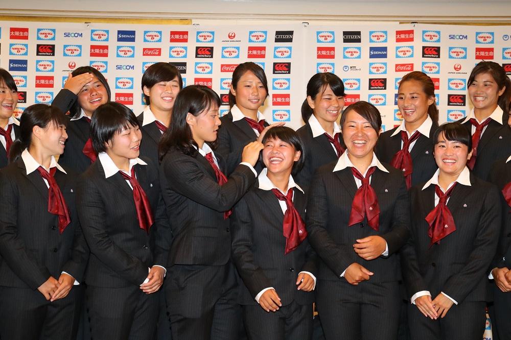 世界と戦う準備はできた。充実の女子日本代表、フォトセッション前のひととき(撮影:松本かおり)