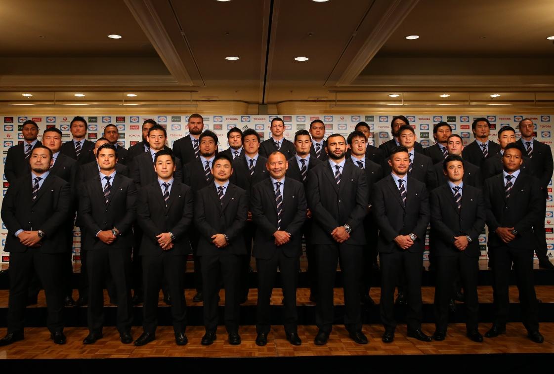 ワールドカップに挑む日本代表のエディー・ジョーンズHCと登録メンバー31名(撮影:松本かおり)