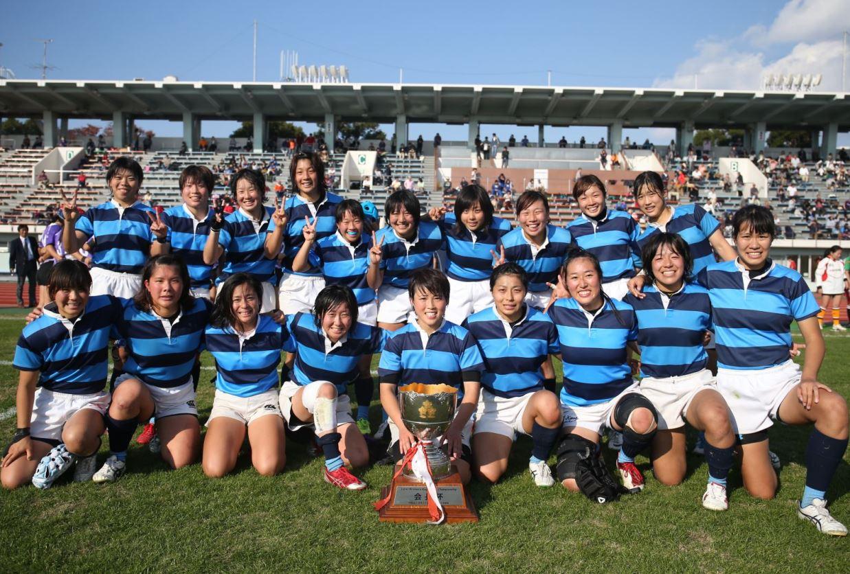 第1回全国女子選手権大会で優勝した日本体育大学ラグビー部女子の選手たち(撮影:松本かおり)