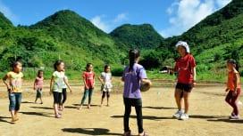 子どもたちに笑顔を。アジアで広がる「パス・イット・バック」。ラオスの風景(C)World…