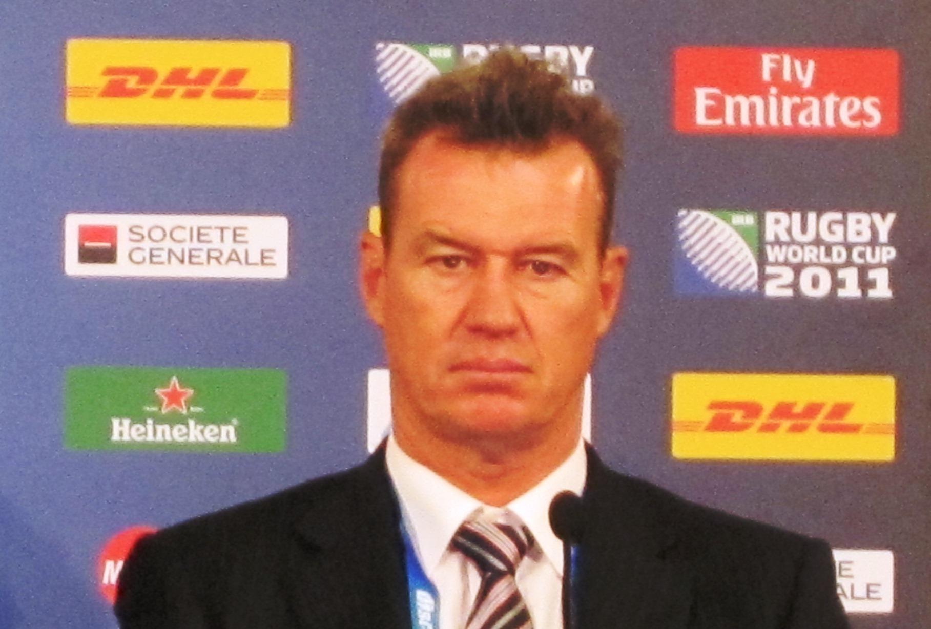 W杯で目標を達成できず、厳しい評価が待っているジョン・カーワン日本代表HC(写真はフランス戦後)