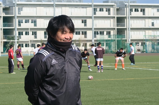 「やることは変わらない」。8強敗退の報徳学園・泉光太郎コーチ