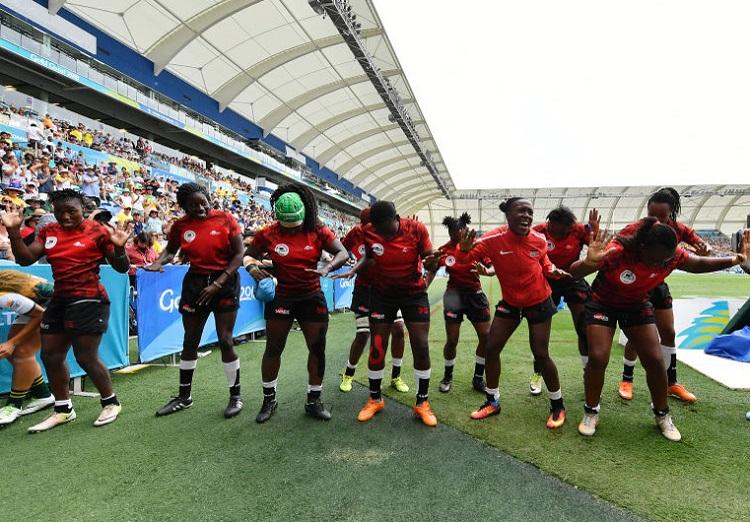 コモンウェルスゲームズのセブンズで南アを下したケニア女子、歓喜のダンス(C)Getty Images