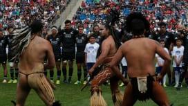 初の南米遠征、チリでも大人気だったNZマオリ。先住民族ラパ・ヌイと対峙(C)Getty …