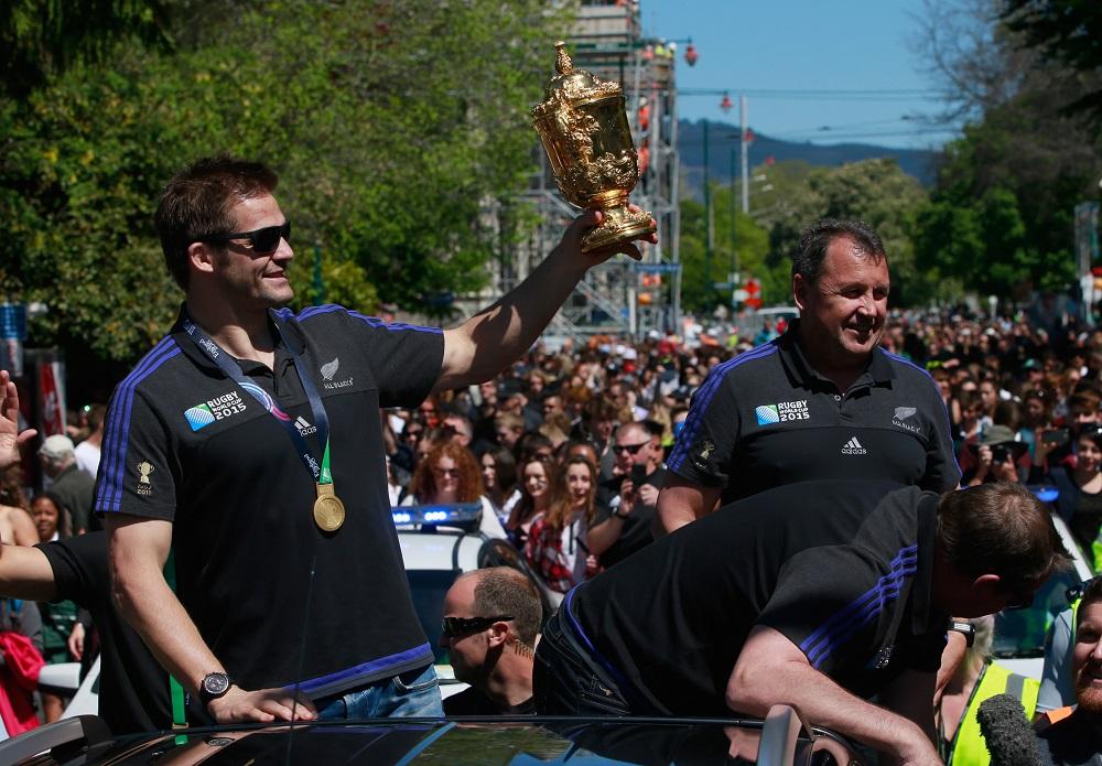 W杯で連覇を遂げ、凱旋パレードをおこなったオールブラックスのマコウ主将(C)Getty Images