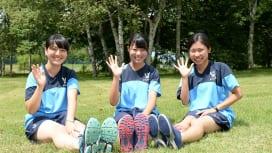 明大マネージャー。左から武田愛海さん、古岡奈緒さん、直江彩佳さん(撮影:Hiroaki.…