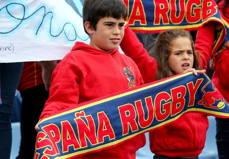 女子W杯でスペインを応援する子どもたち(Photo: INPHO/Oisin Keniry)
