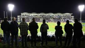 木曜NZナイトゲーム、ノースランド対ノースハーバー戦を観る多くのファン(C)Getty …