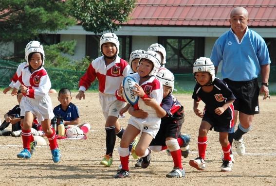 みんなニコニコ 兵庫県ラグビースクール 「必ずしも勝利を求めない」