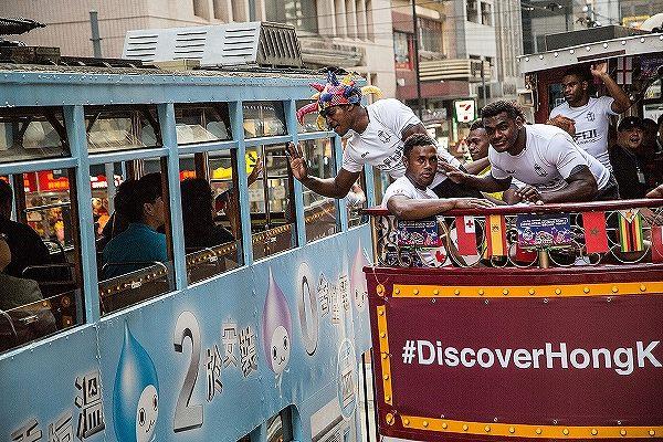 香港セブンズ・バー・トラムにフィジー代表が乗車!(C)Getty Images