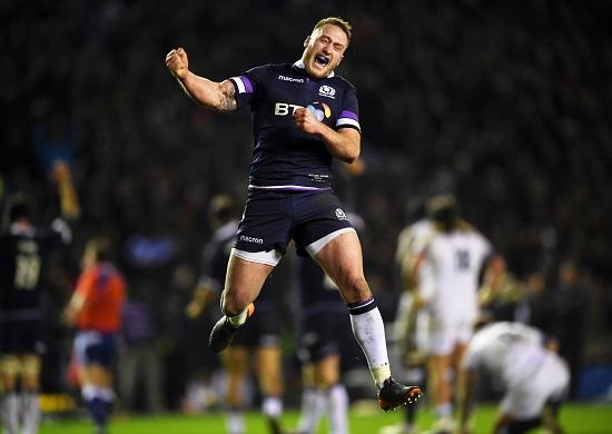 ホームの大観衆を前にイングランドを破る。スコットランドが大金星!