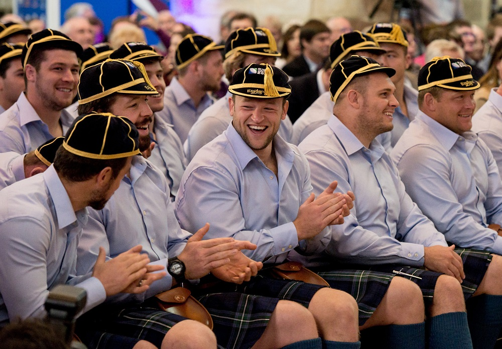 伝統衣装でウェルカムセレモニーに出席したスコットランド代表(C)Getty Images