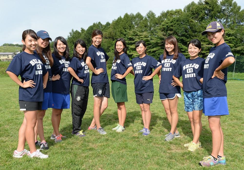 成城大ラグビー部の選手を支えるマネージャーたち(撮影: Hiroaki. UENO)