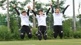 専大マネージャー。左から村田夢翔さん、瀧澤真希さん、目黒ゆうかさん(撮影:Hiroaki…