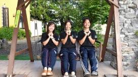 摂南大のマネージャー。左から小林さん、大嶋さん、河合さん(C)Hiroaki.UENO