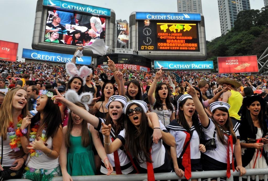 世界的人気イベントに発展中のセブンズ・ワールドシリーズ。来年、日本開催が決定(写真は香港セブンズ)