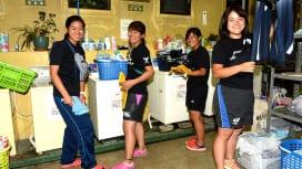 関西の強豪・天理大学ラグビー部を支えるマネージャー。洗濯中です(撮影:Hiroaki. …