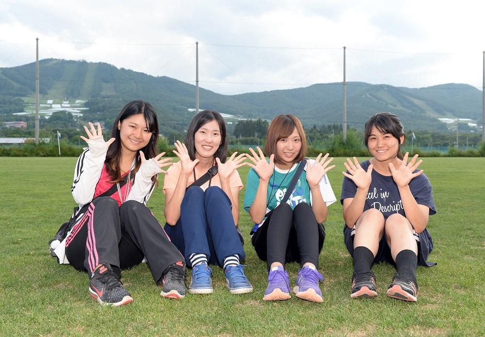 東大ラグビー部のMGR。左から木下さん、城戸さん、望月さん、加藤さん(C)Hiroaki.UENO