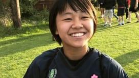 17歳、津久井萌がリズム作る。サクラフィフティーン、フランス戦前日の表情。